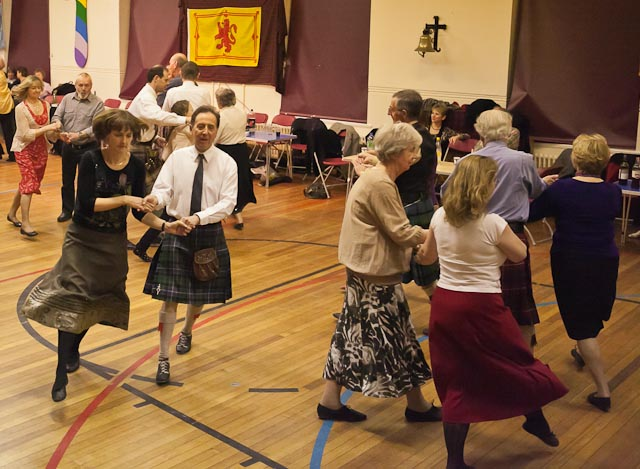 HS-ceilidh-2012-Jan-web-3165